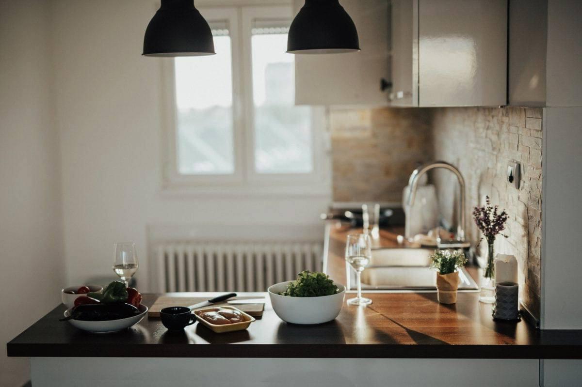 лесни стипки за обзавеждане на малка кухня
