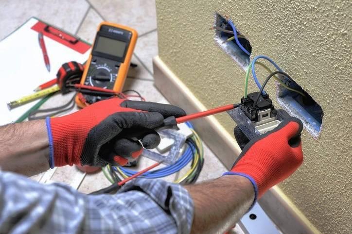електрическите инструменти при ремонтна дейност